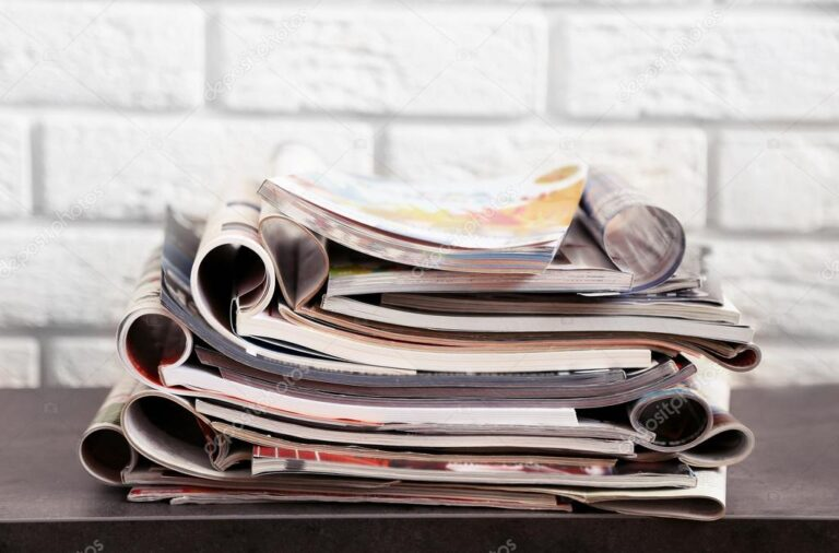 How to Get Rid of Paper Clutter at the Workplace or Home?